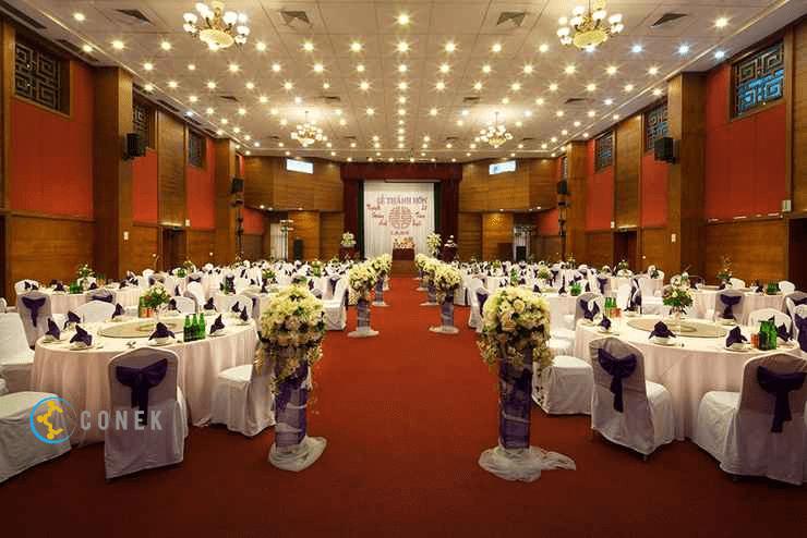 Hội trường khách sạn Hoàng Hoa Thám
