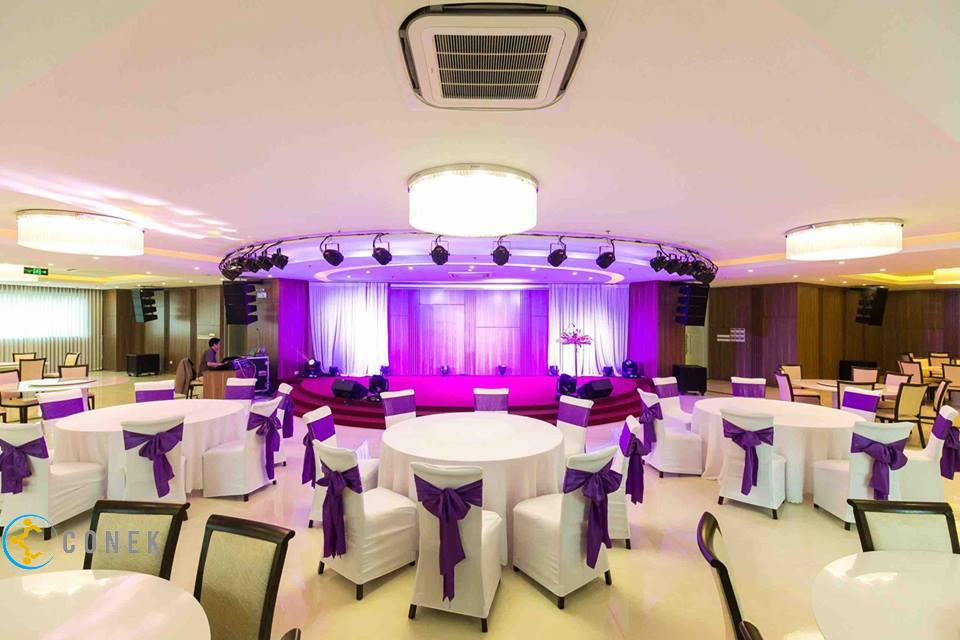 Hội trường khách sạn Láng Hạ