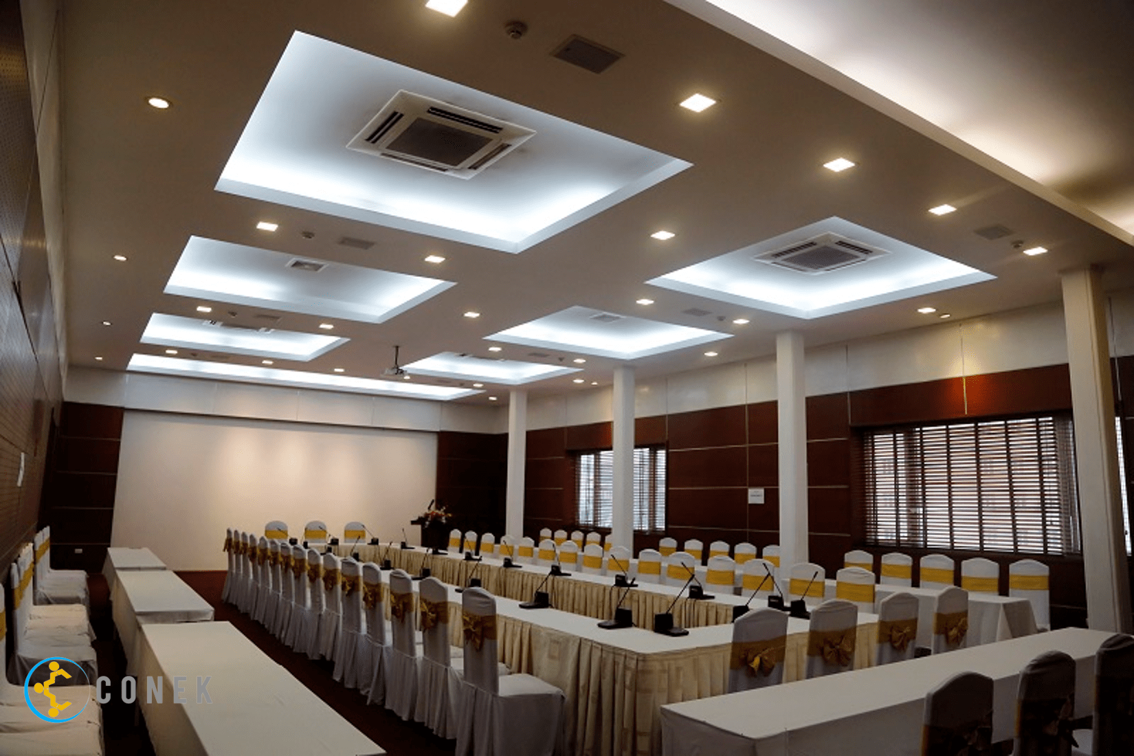 Hội trường khách sạn Trần Hưng Đạo
