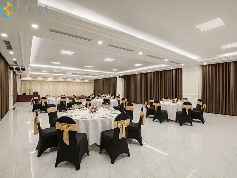 Hội trường khách sạn Adonis 55 Quang Trung (nhà khách Thanh Niên Hà Nội)